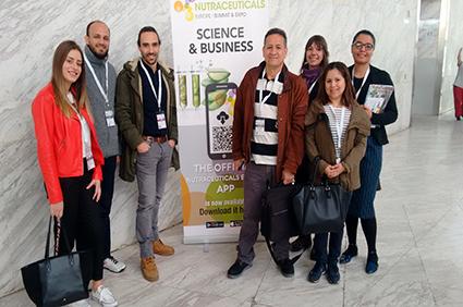 """Nuestros mejores alumnos de Auxiliar de Farmacia asisten al """"Nutraceuticals Europe – Sumit & Expo"""""""